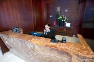 The_24-Hour_Concierge_Desk_at_Panorama_Towers-300x200